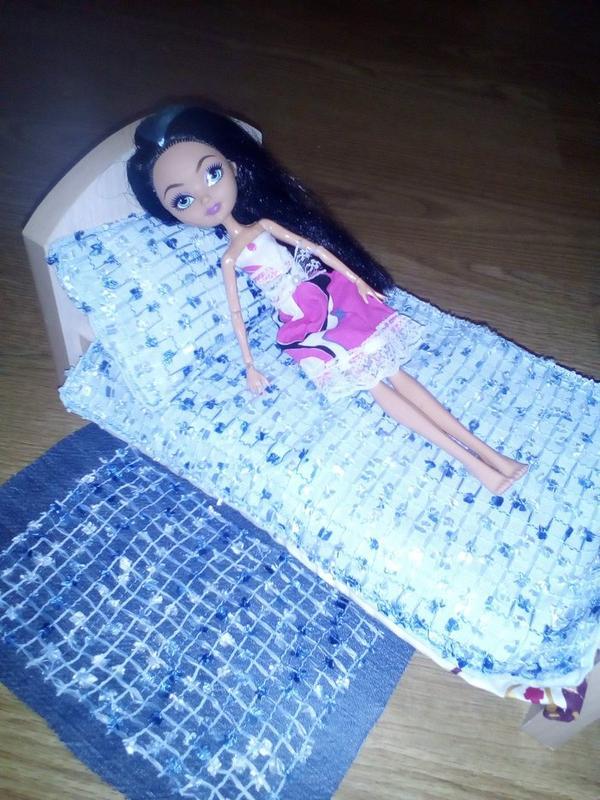 Кровать и постель для Барби, Монстер Хай, Эвер Хай. Ручная работа - Фото 4