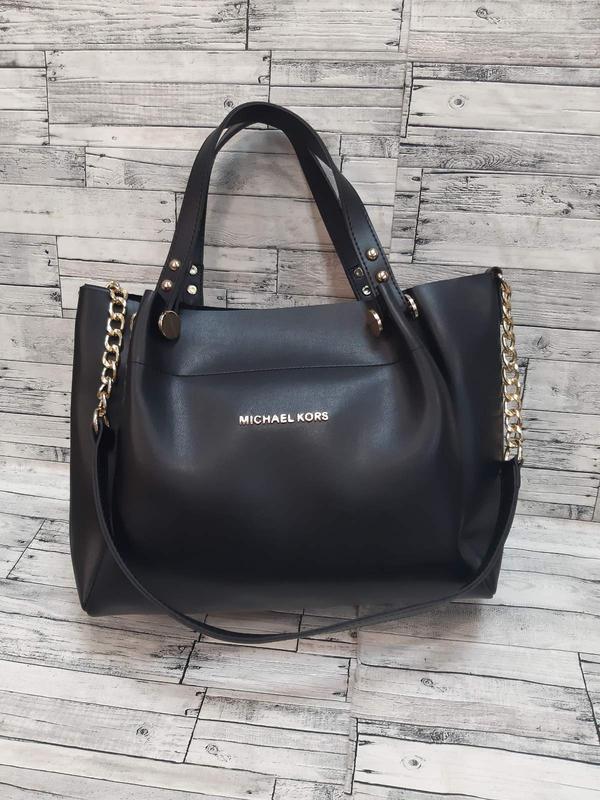 Женская сумка  из эко-кожи  стильная сумочка. черная