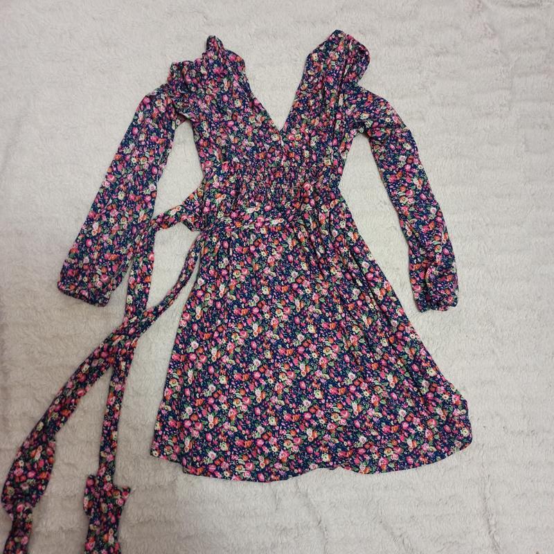 Платье с цветочным принтом asos