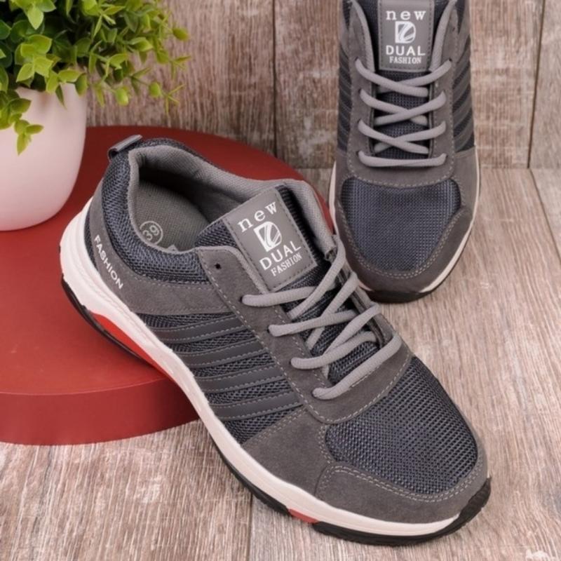 Женские кроссовки на шнуровке - Фото 4