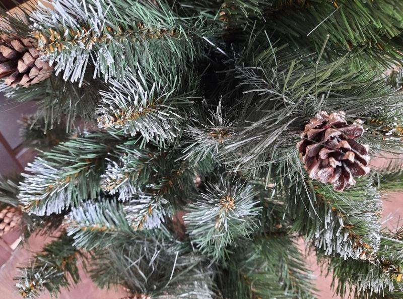 Штучні ялинки ялинка штучна искусственная елка