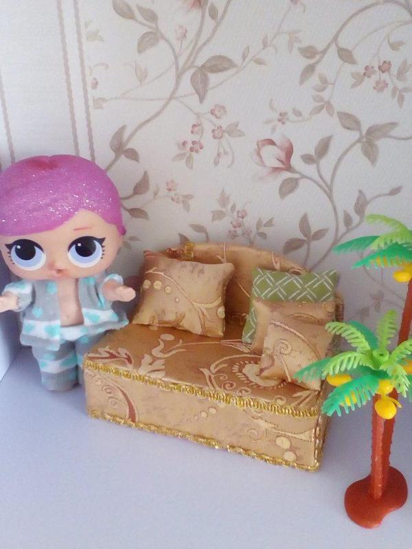 Диван для Лол. Мебель для кукольного домика.