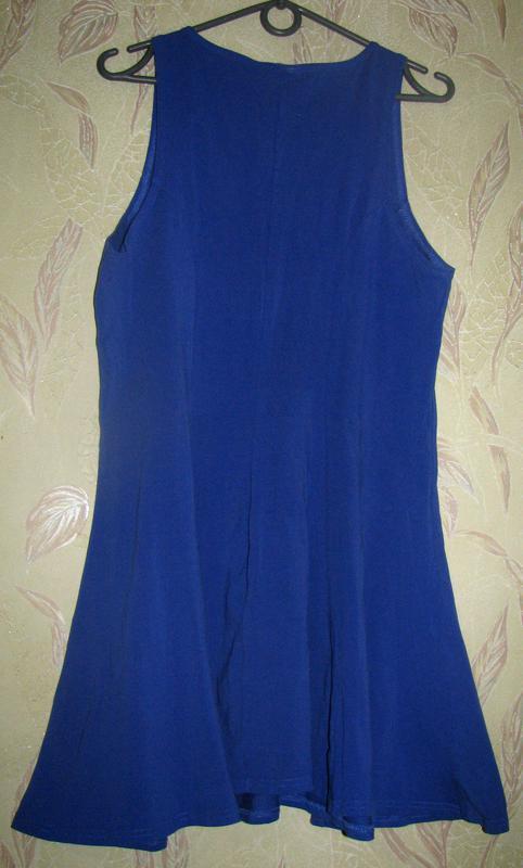 Короткое платье насыщенного синего цвета. - Фото 4