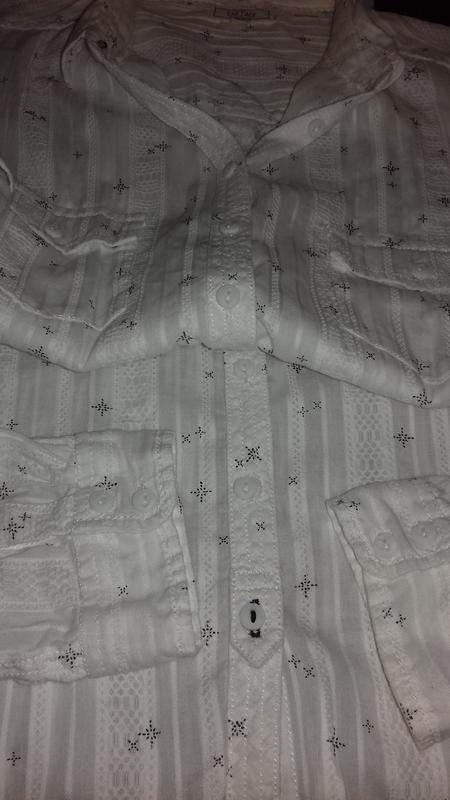 Белая рубашка классика, из интересной ткани. - Фото 4