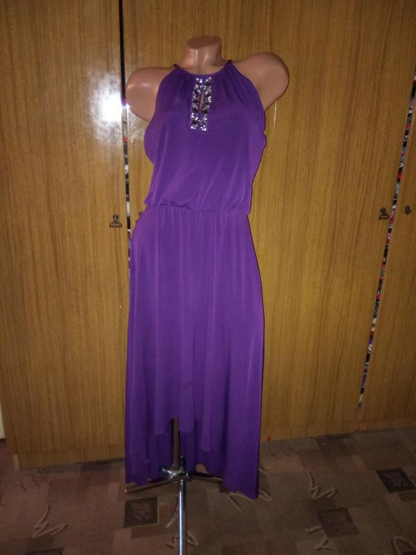 Вечернее платье с асимметричным низом