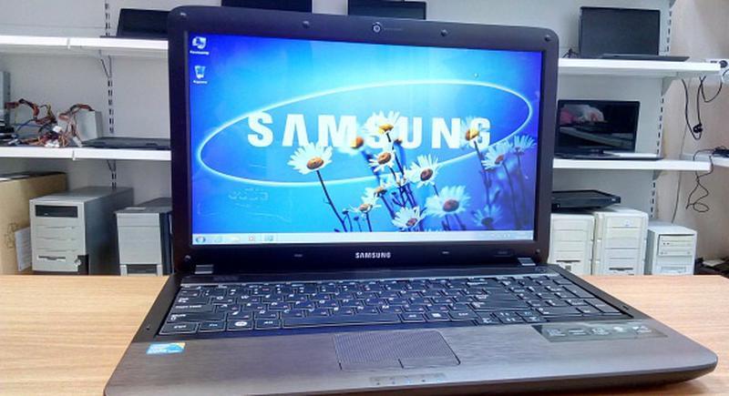 Игровой ноутбук в идеальном состоянии Samsung R538