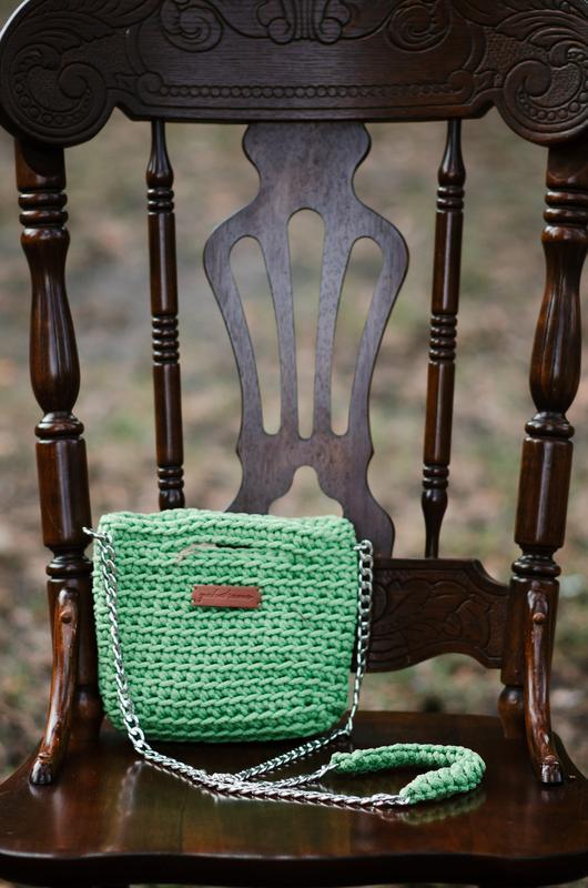Маленькая зеленая сумочка