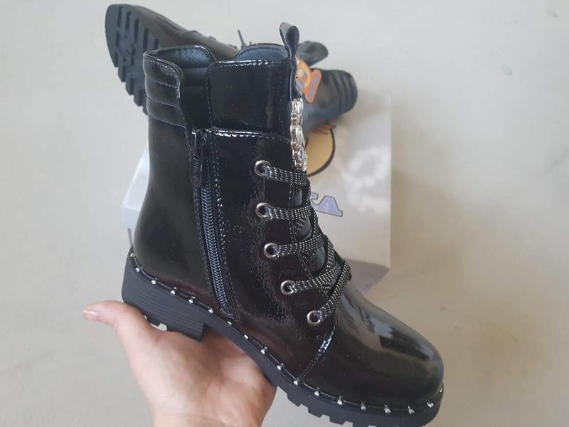 Лаковые утепленные деми ботинки сказка на флисе с супинатором - Фото 5
