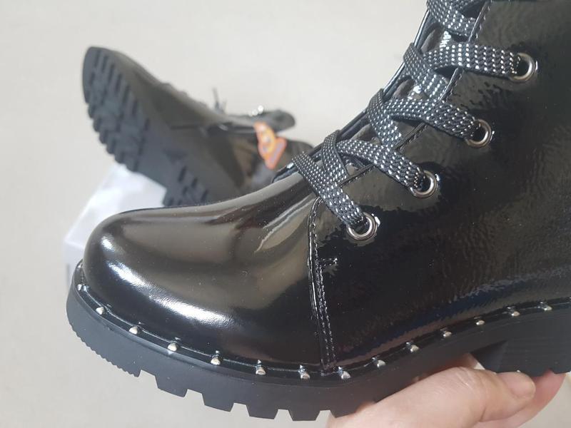 Лаковые утепленные деми ботинки сказка на флисе с супинатором - Фото 7