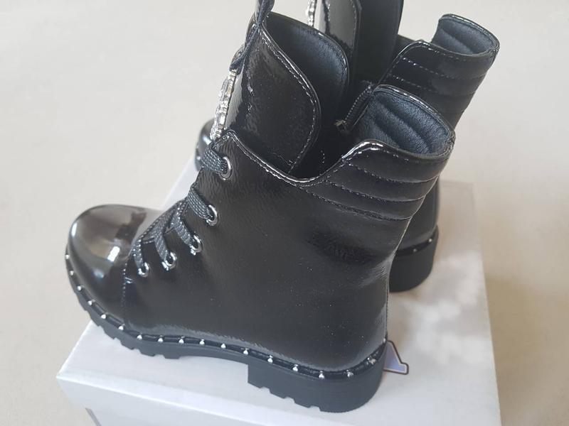 Лаковые утепленные деми ботинки сказка на флисе с супинатором - Фото 8