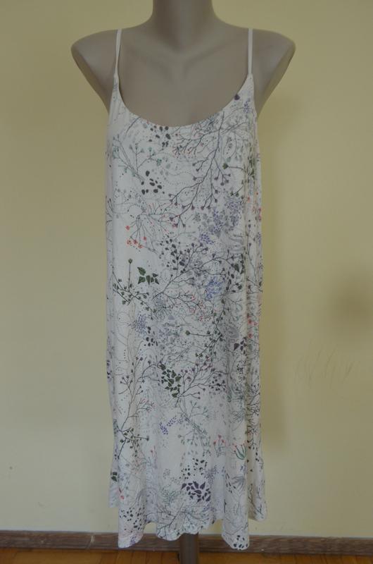 Стильное брендовое трикотажное платье в бельевом стиле свободн...