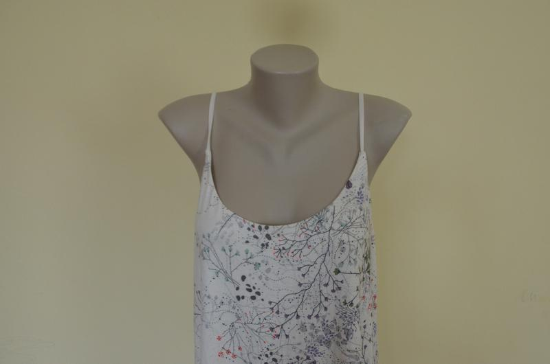 Стильное брендовое трикотажное платье в бельевом стиле свободн... - Фото 3