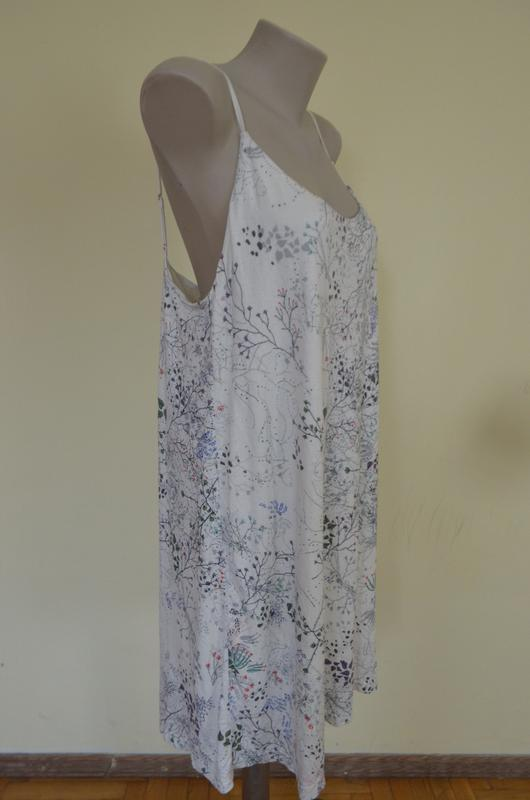 Стильное брендовое трикотажное платье в бельевом стиле свободн... - Фото 5