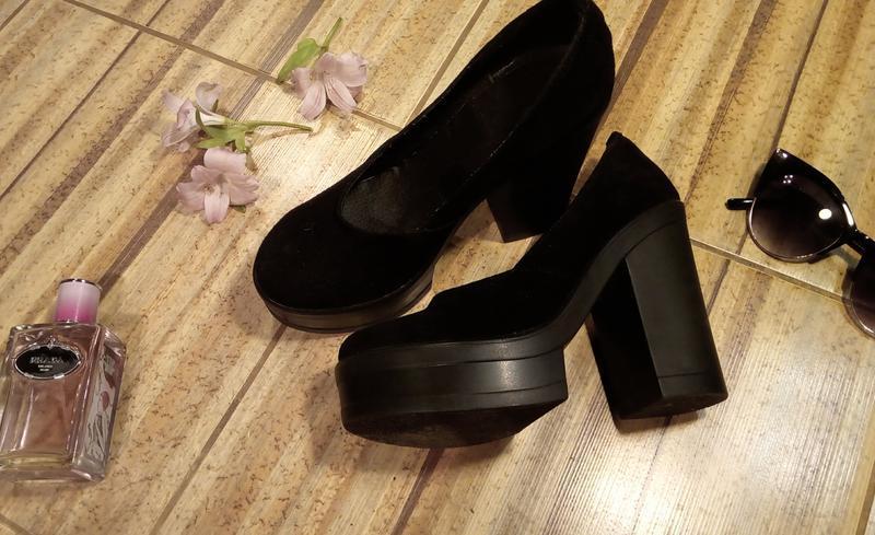 Замшевые туфли на толстом каблуке и платформе - Фото 4