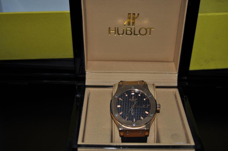 Hublot 1500 часы мужские