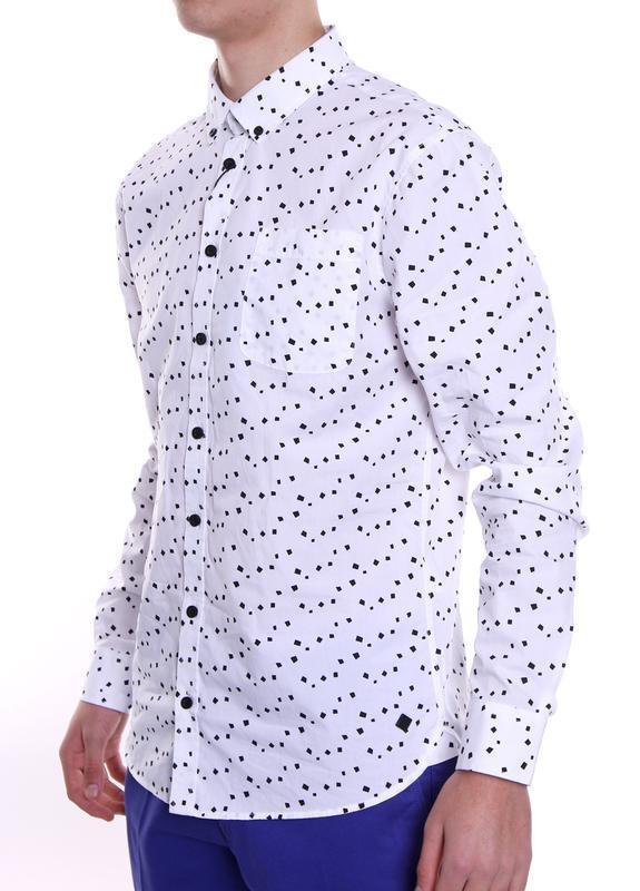 Рубашка белая классика с абстрактным принтом casual friday