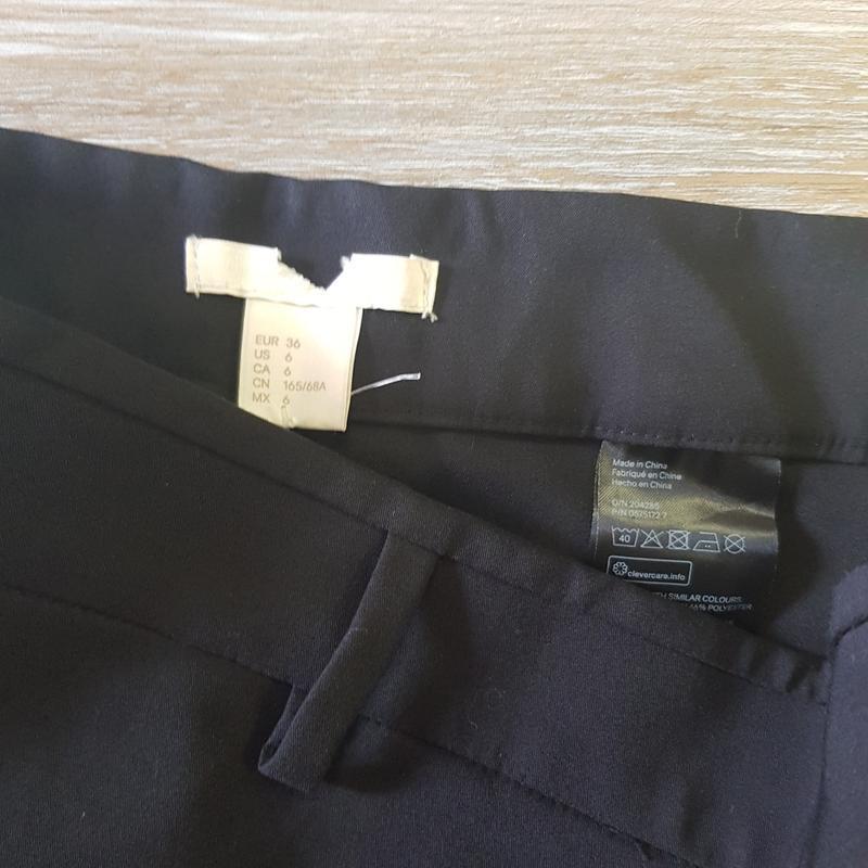 Черные брюки слаксы - Фото 4