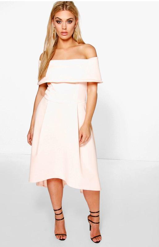 Платье с открытыми плечами boohoo 18 размер