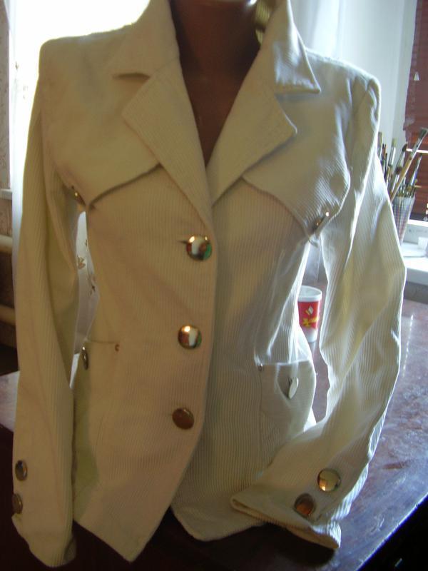 Итальянский вельветовый белоснежный пиджак удлиненный