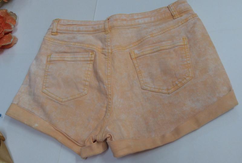 Эластичные короткие шорты denim co размер м - Фото 3