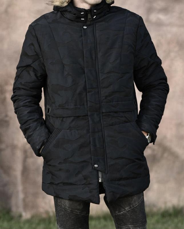 Мужская зимняя куртка в камуфляжный принт , парка см... - Фото 4