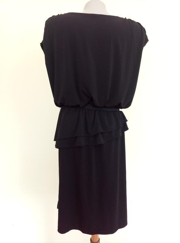 Стильное трикотажное платье - Фото 5