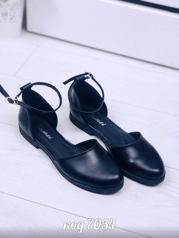 Чёрные кожаные открытые балетки с ремешком,чёрные открытые туф... - Фото 2