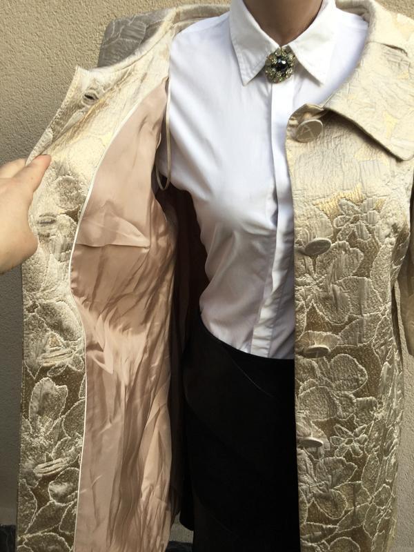 Жаккардовый плащ,тренч,пальто,золотой перелив,хлопок,большой р... - Фото 2