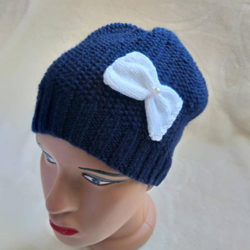 В'язані шапки та берети - Фото 9
