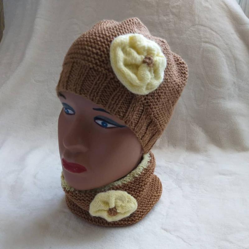 В'язані шапки та берети - Фото 11