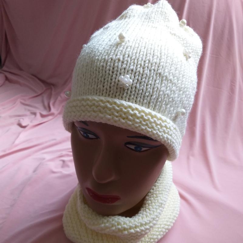 В'язані шапки та берети - Фото 19