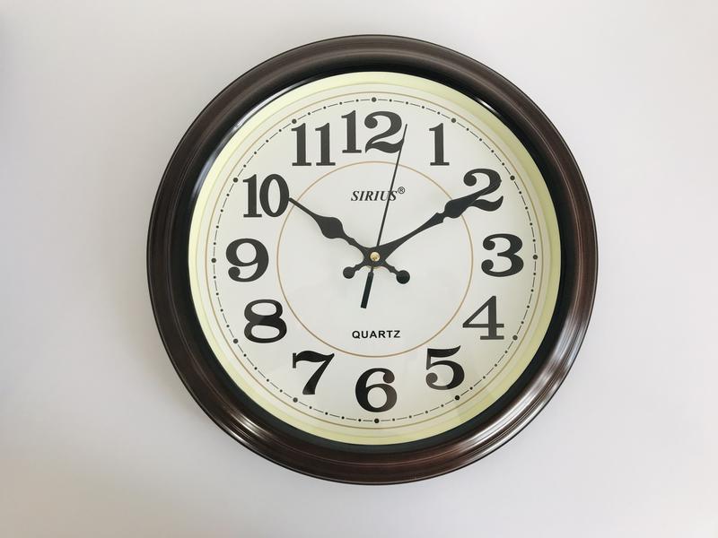 Часы, настенные часы, круглые часы.