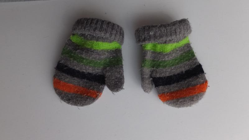Рукавицы зимние двойные полосатые варежки на 3 - 6 - 9 месяцев - Фото 3
