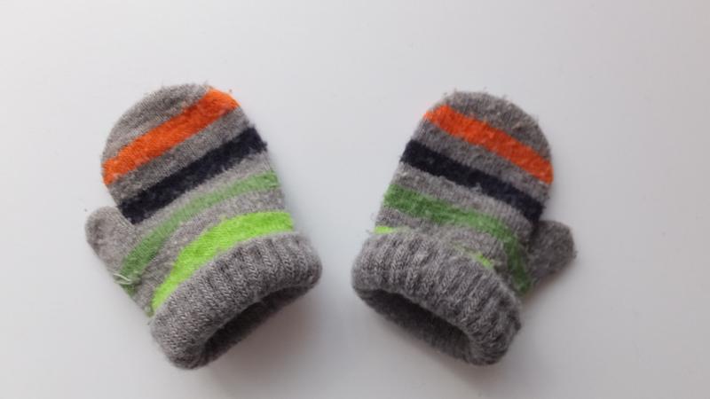 Рукавицы зимние двойные полосатые варежки на 3 - 6 - 9 месяцев - Фото 4