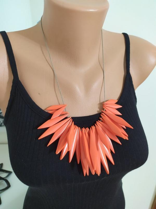 Ожерелье коралл кораллового цвета