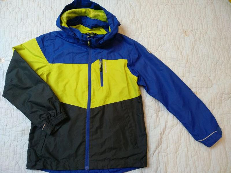 Спортивная куртка для мальчика 9-10 лет на рост 140 см