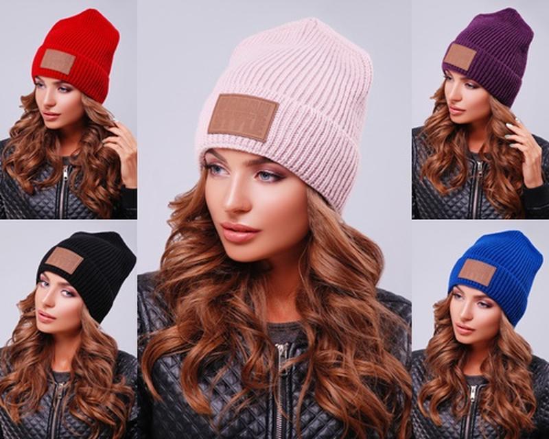 Вязаная женская шапка №308
