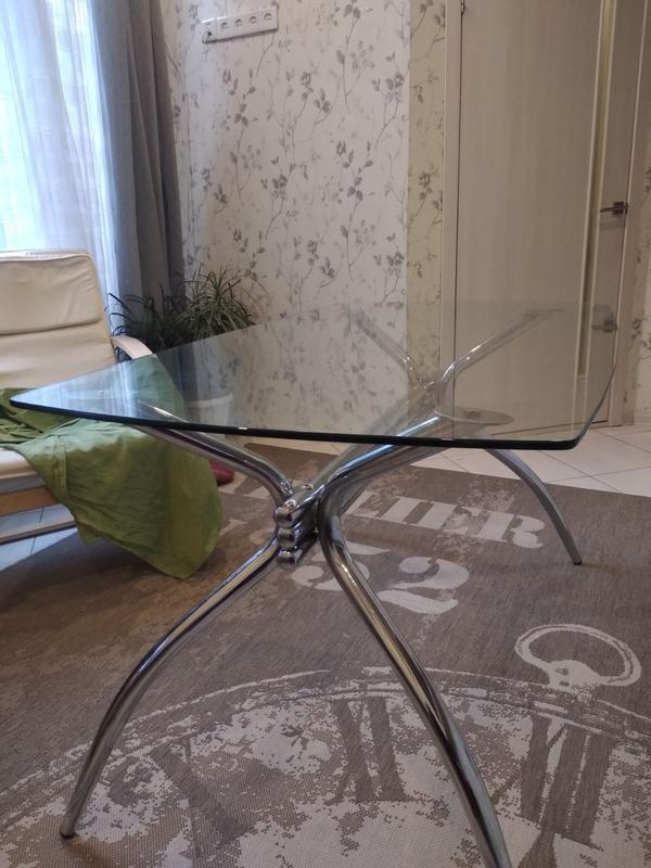 Столещница из заколенного стекла