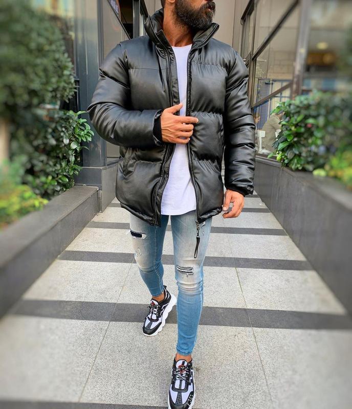 Кожаная мужская зимняя куртка пуховик черного цвета