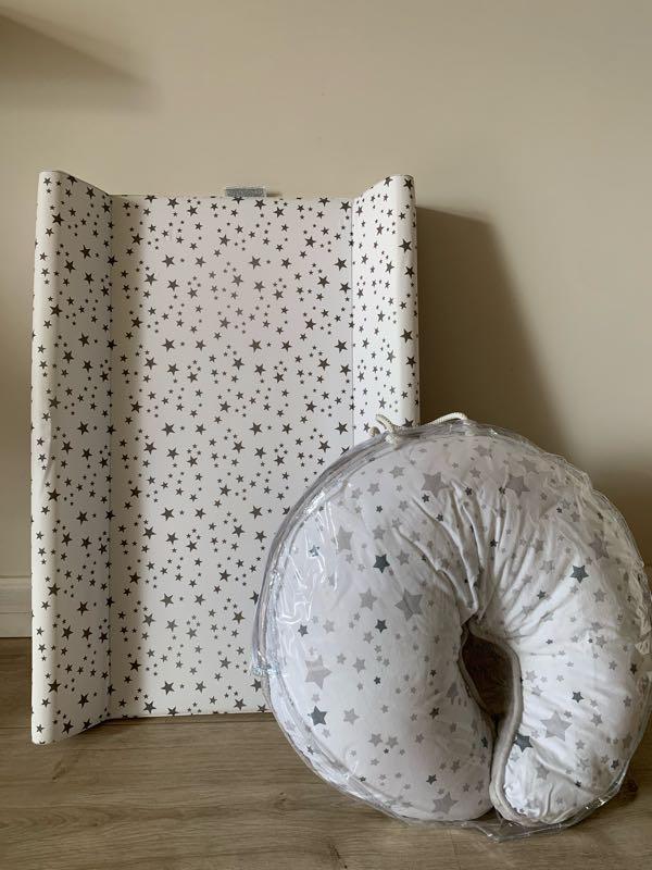 Пеленатор и подушка для