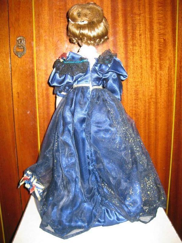 Коллекционная фарфоровая кукла - Фото 2