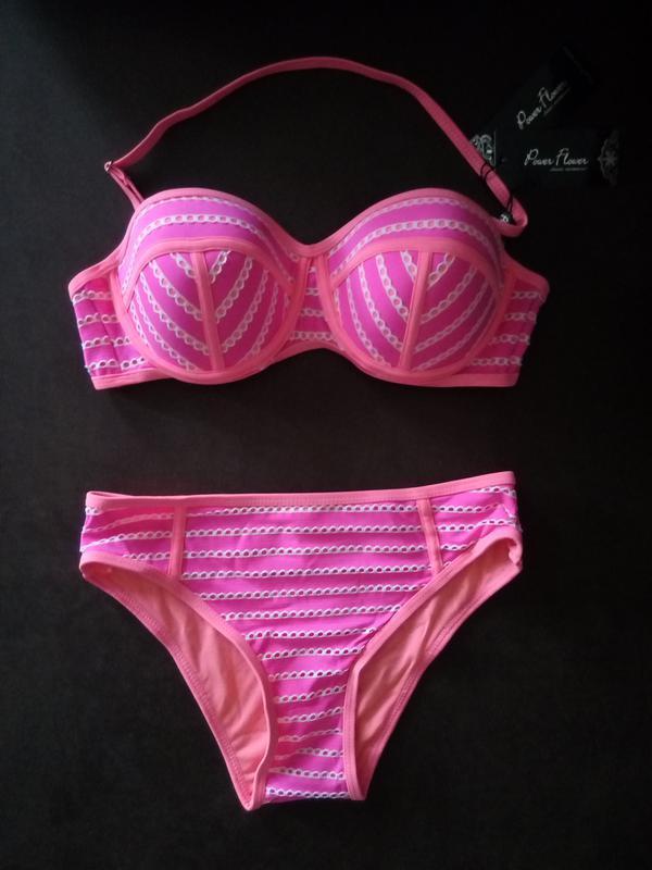 Розовый купальник с пушап