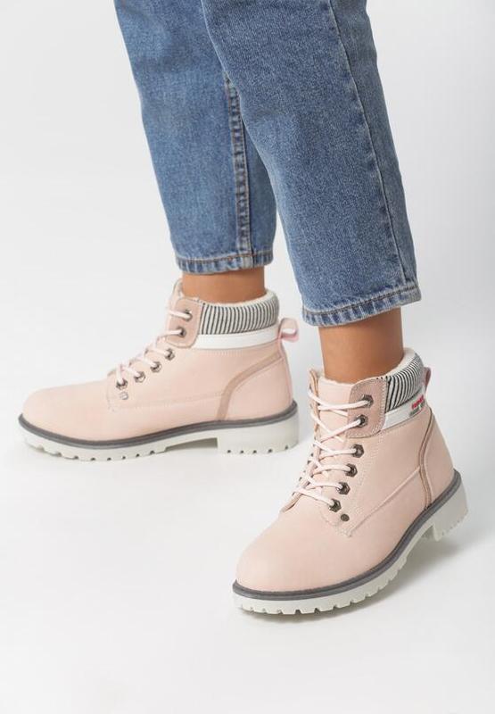 Новые женские зимние пудровые ботинки