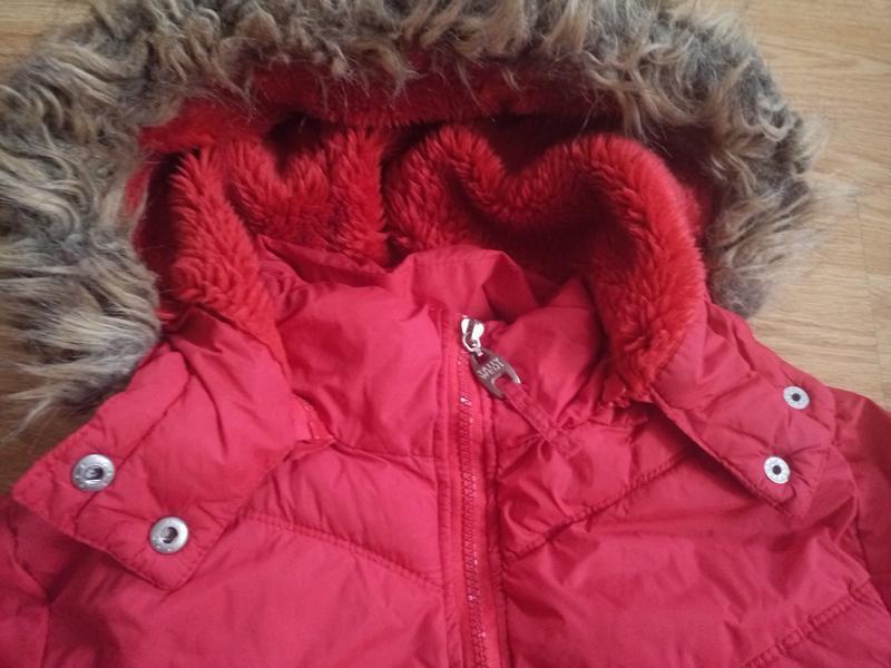 Зимняя куртка короткая с капюшоном - Фото 4
