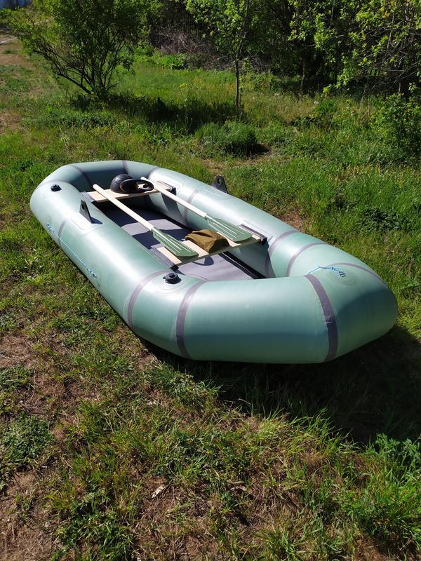 Нова надувная резиновая лодка