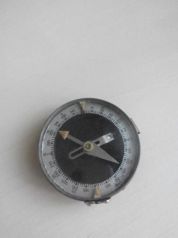 Военный наручный компас Адрианова