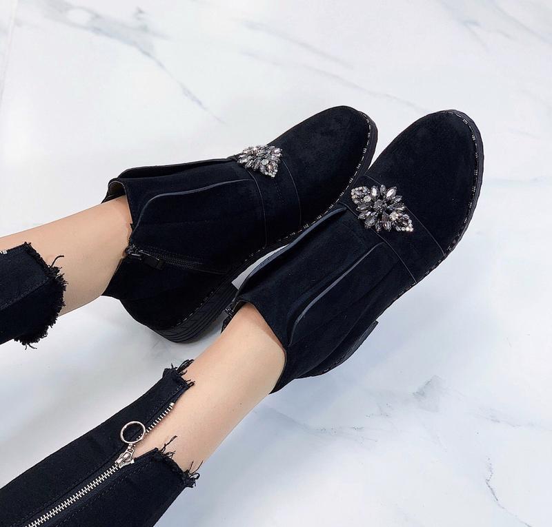 Новые женские демисезонные черные ботинки - Фото 3
