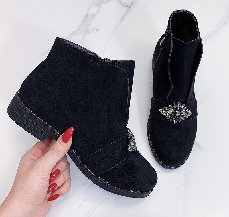 Новые женские демисезонные черные ботинки - Фото 4