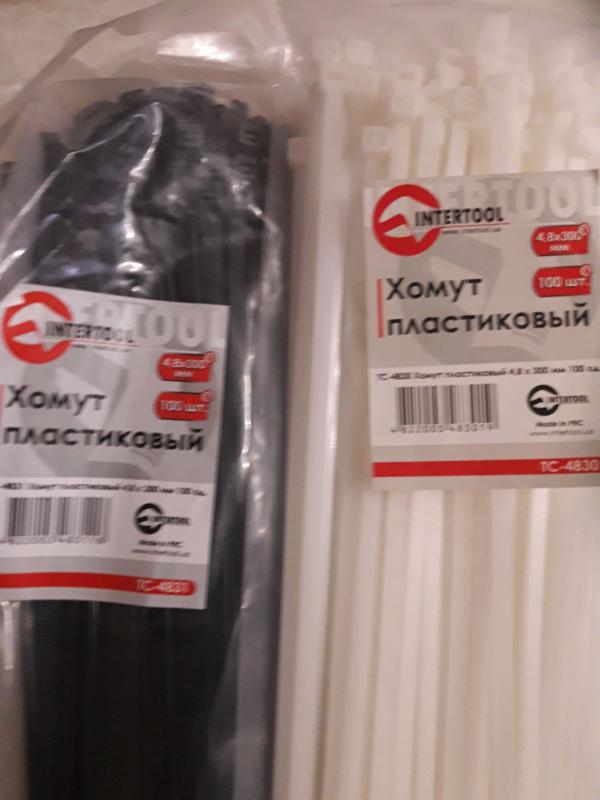 Хомуты  пластиковые белые и чёрные