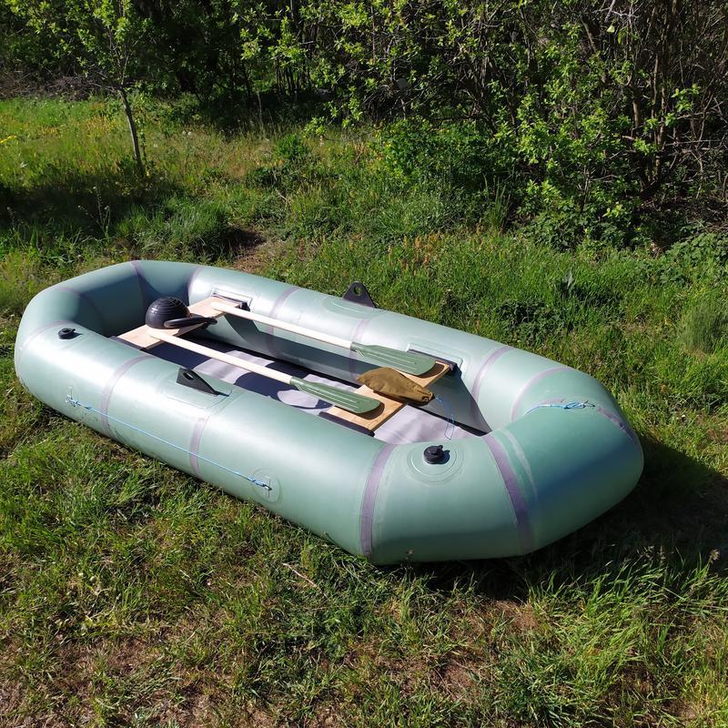 Новая надувная резиновая лодка